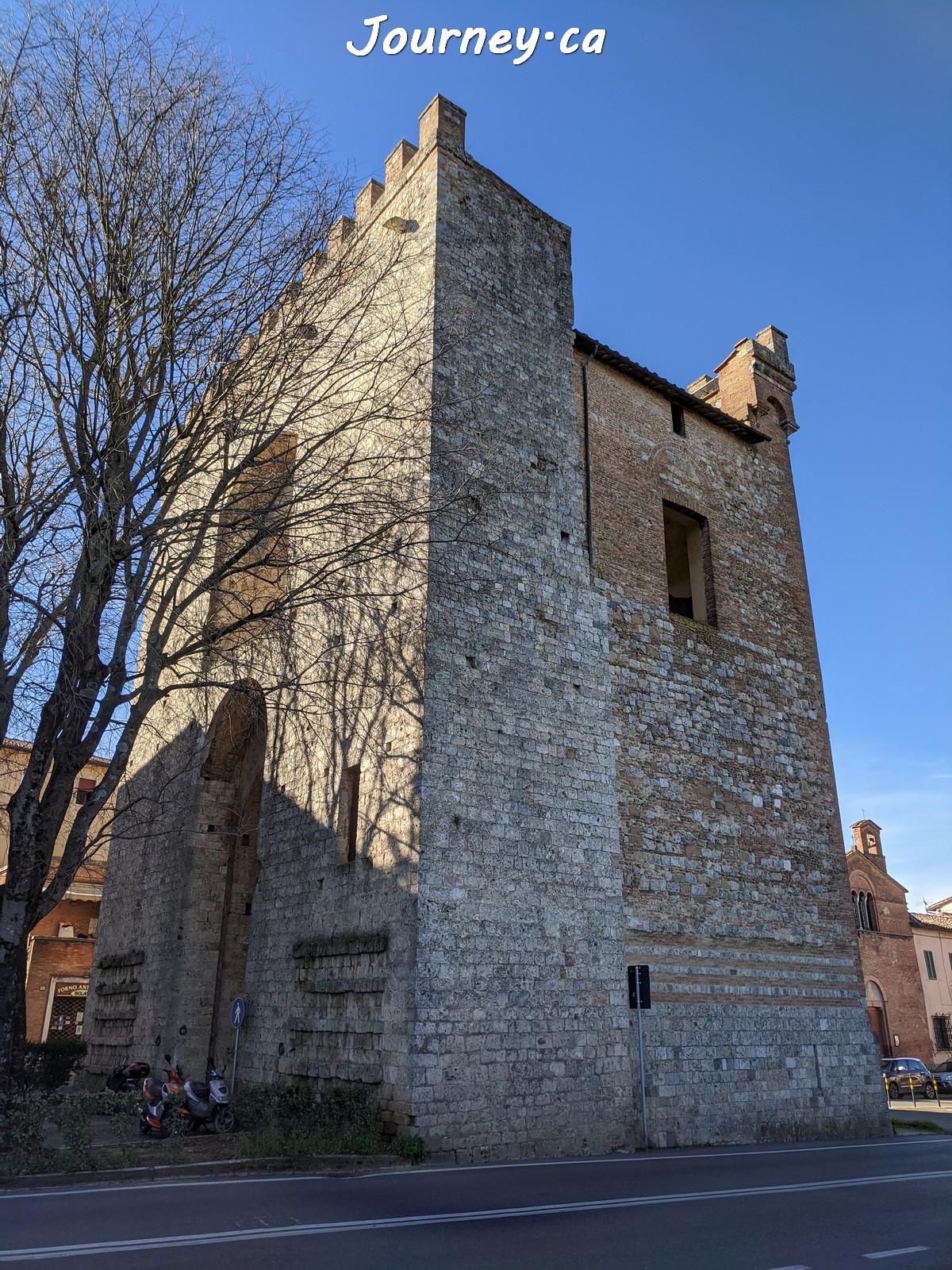 Antiporto di Camollia, Siena