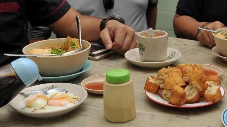 咖啡店饮料价格毕逼近一公升汽油 马来西亚民众直呼不合理