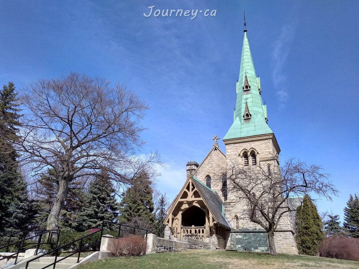 Chapel of St. James-the-Less in St. James cemetery